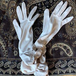Vtg 50s Van Raalte Reindoe Tan Nylon Opera Gloves